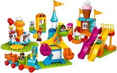 Фото LEGO Duplo Большой парк аттракционов (10840)