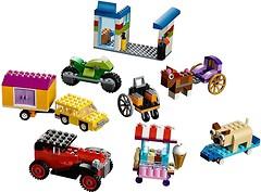 Фото LEGO Classic Кубики и колеса (10715)
