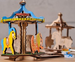 Фото Ugears 3D модель-разрисовка Карусель (30005)